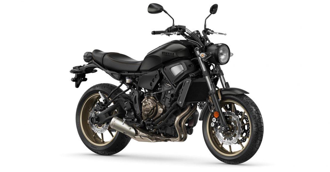 Yamaha-XS700-EU-Tech_Black-Studio-Motokomplex