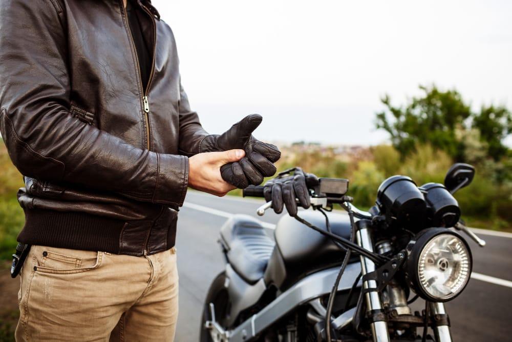 Ako vybrat oblecenie na motorku Motokomplex